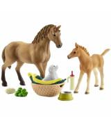 SCHLEICH HORSE CLUB Sarahin Eläinvauvanhoitosarja