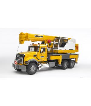 BRUDER Mack Granite kuorma-auto Liebherr-nosturilla